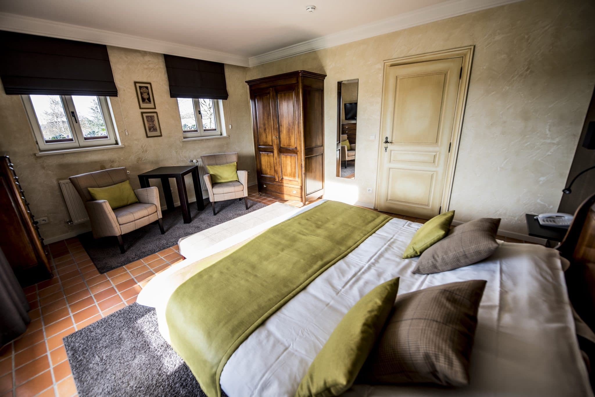 R server une chambre hostellerie gilain for Reserver une chambre hotel